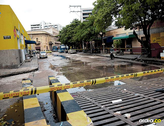 En la carrera 45 con calle 30, Centro de la ciudad, resultó herido a bala el pensionado de la Policía, José Neftalí Torres. Fue interceptado por cuatro fleteros. | AL DÍA