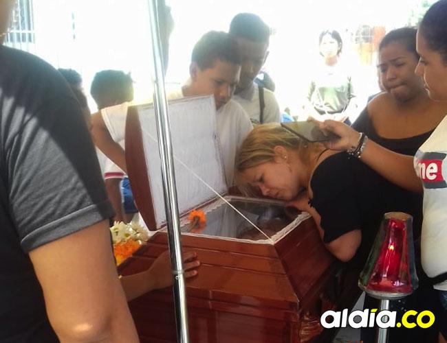 Luz Elena De la Hoz vino de Bogotá al sepelio de su hijo Danny Daniel, que se cumplió este lunes.