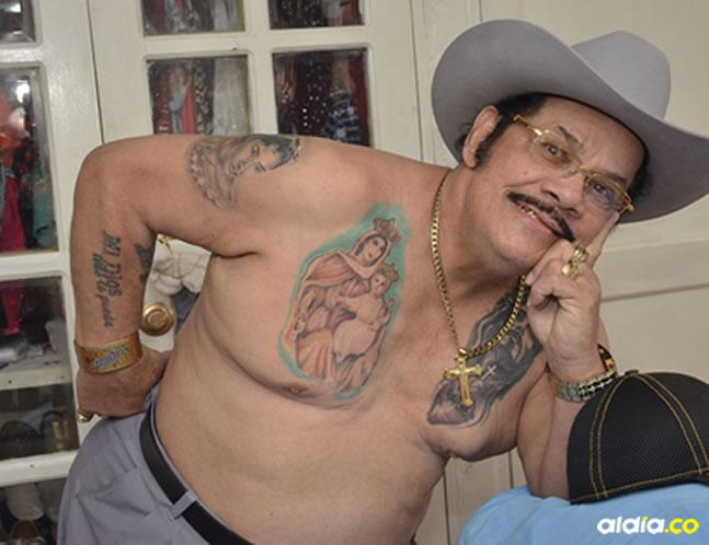 Aníbal Velásquez mostró sus tatuajes. | AL DÍA