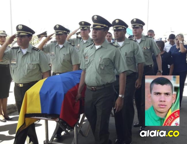 Con honores por parte de la Policía Nacional, ayer se cumplió en Valledupar el sepelio del cadete vallenato Andrés David Fuentes Yepes, quien falleció producto de las heridas del atentado a la Escuela General Santander el pasado 17 de enero.