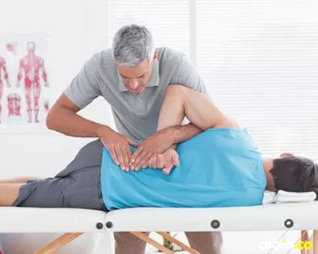 Lo mejor ante una sobrecarga en la espalda es un buen masaje. | Al Día