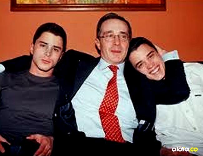 Tomás y Jerónimo junto a su padre Álvaro Uribe I Internet