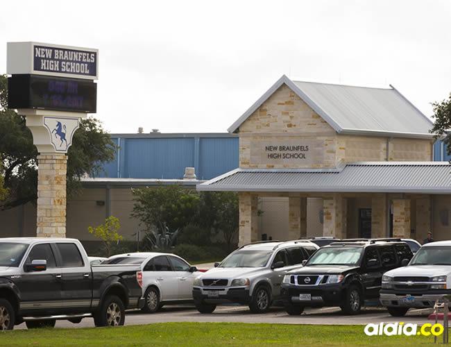 Helicópteros y personal de emergencia acudieron a la iglesia | AFP