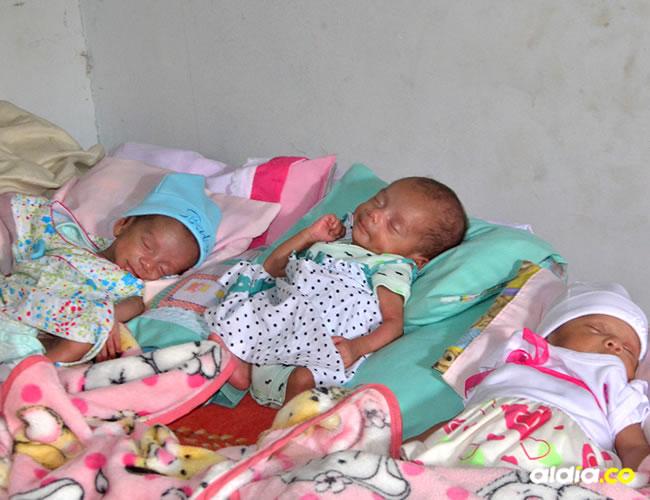 Las tres pequeñas necesitan de atención especial y una alimentación médica adecuada, por las dificultades que les trajo el nacer de manera prematura: le sonríen a la vida.