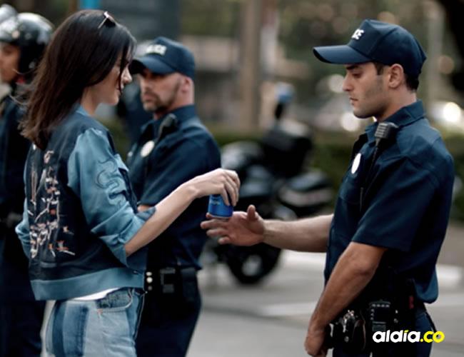Kendal Jenner protagonizó el último comercial de Pepsi y las personas perdieron la cabeza | Captura de pantalla