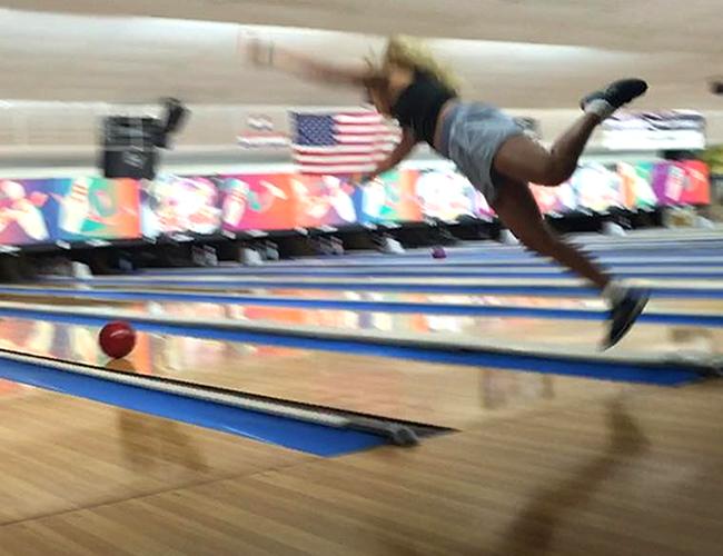 Paige Ginn es oriunda de California y cada vez tiene más seguidores por sus graciosas caídas. | Foto: Instagram