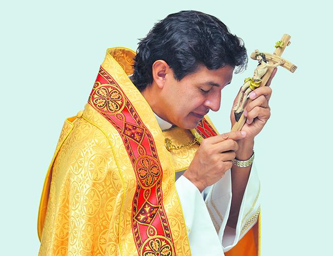 El papa Francisco cuenta con obispos y una Asociación Internacional de Exorcistas, que forman a quienes sirven a la iglesia Católica. | Archivo