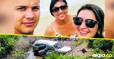 La camioneta en que viajaban las víctimas quedó dentro de una cuneta, al parecer, luego de esquivar un hueco.