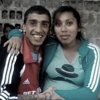 En marzo de 2006, Herrera estranguló con una camiseta a su exmujer de 29 años, Verónica Castro, cuando ella lo visitó junto a sus hijos | Al Día
