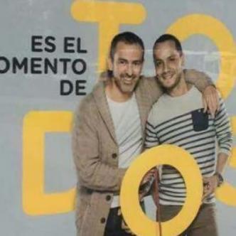 La más reciente campaña de Bancolombia incluye, lo que parecer ser, una pareja gay    Cortesía