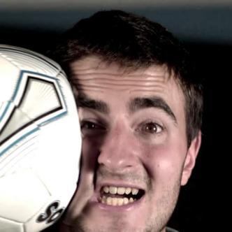 El fútbol no es para todos, incluyendo a algunos jugadores que no se lo aguantan| Foto: Captura de video