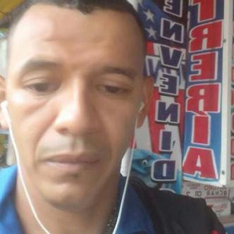 Yamil Antonio Domeneche Hernández, de 37 años, fue asesinado en la calle 44 con carrera 40, barrio El Rosario. | Al Día