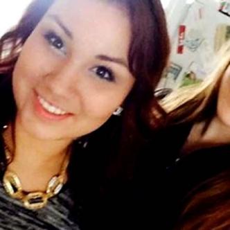 La selfie que Cheyenne Antoine, a la izquierda, se sacó con la víctima, Brittney Gargol | Facebook