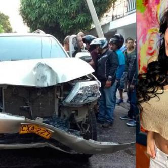 La artista, quien se transportaba en una camioneta Toyota Fortuner, se estrelló contra dos postes de energía y luego contra otro vehículo. | Cortesía