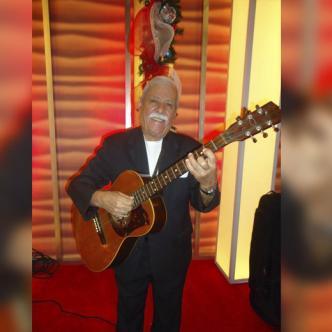 Charlie Rodrígiez, de 83 años, se mantenía vigente colaborando con varias orquestas.