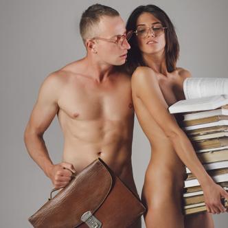Los juegos de rol en el sexo son una buena opción para salir de la monotonía en la cama.   Al Día