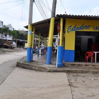 Hasta este negocio ubicado en la calle La Bucaramanga llegaron los delincuentes para cometer el robo   Al Día