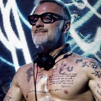 Gianluca Vacchi también es DJ y toca en distintos clubes del mundo | Telemundo