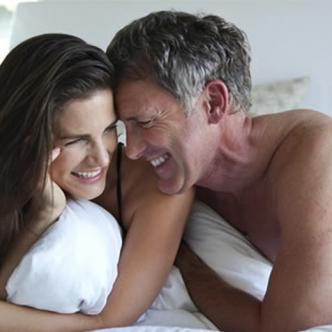 La creencia de que las mujeres maduran primero que los hombres es en definitiva una de las razones por las que muchas buscan parejas que sean varios años mayores que ellas.