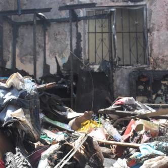 Las llamas acabaron totalmente con la vivienda, tal como muestran las tres gráficas.