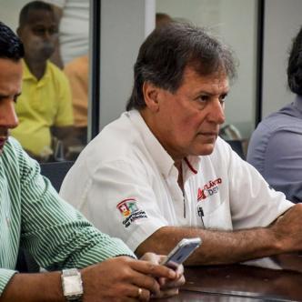 Enrique Vengoechea, director de Indeportes, polemizó con el diputado Estéfano González sobre la regularidad de los convenios firmados.