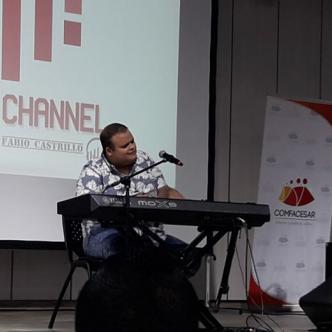 Jesús Molina es uno de los hombres de diálogo permanente con el cantante Juan Luis Guerra.