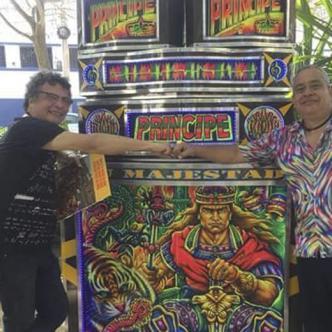 Gilberto Marenco (izq.) es amante de la cultura picotera.