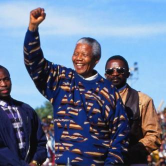 Nelson Rolihlahla Mandela nació el 18 de julio de 1918 y murió el 5 de diciembre del 2013.