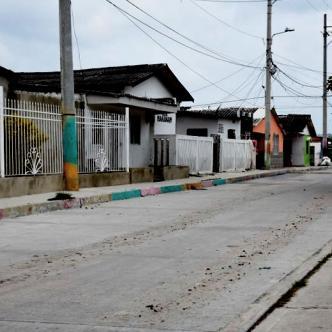 En esta calle del barrio El Bosque ocurrió el enfrentamiento de pandillas que dejó herido a un niño de 9 años | Al Día