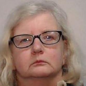 Barbara Coombes, condenada por matar a su padre / Tomada de Twiiter