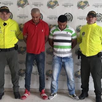 Giovannis De Ávila Sandón (32 años) y Jean Paul Sandón Alean (29),  capturados por homicidio. | Cortesía