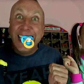 Toy Freaks fue creado hace dos años por el estadounidense Greg Chism | Daily Mail