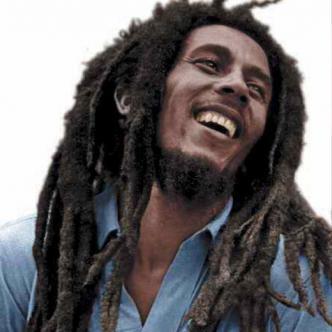 Muchos miembros del movimiento espiritual rastafari, entre ellos Bob Marley, acogieron el reggae para hablar de la fortaleza de la raza negra, la cual según ellos debe regresar a África.