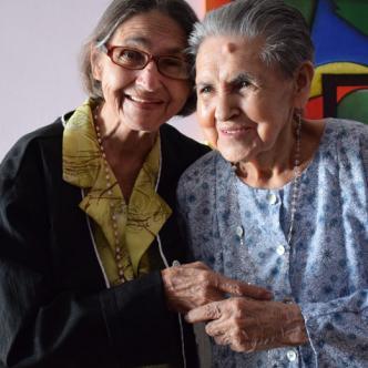 Inés y Beatriz Bautista.Alfredo Ariza