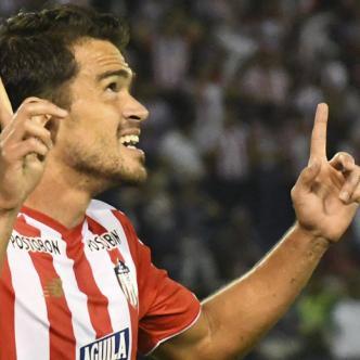 Sebastián Hernández marcó el gol 1.000 de Junior en torneos cortos.