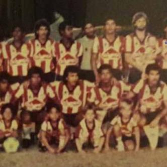 Solari acostumbraba a formar con Junior en la foto previa a los partidos.