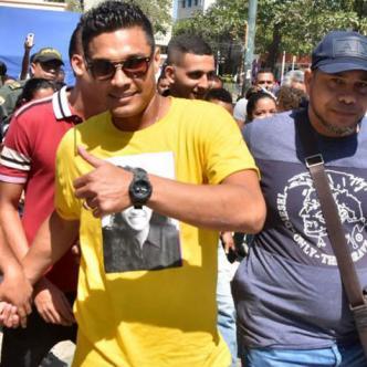 Teófilo Gutiérrez asistió a un evento de promoción del plan de abonos del Junior en el Paseo Bolívar.