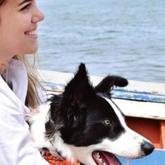 Oriany y su mascota Layla están separadas desde hace nueve meses. | Tomada de: Caraota Digital.