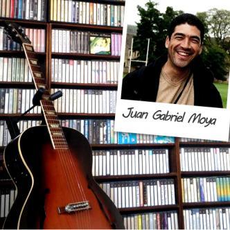 Juan Gabriel Moya ha sido docente, productor y un entusiasta de la música por veinticinco  años. Su gran colección musical incluye formatos como cd, lp's, acetatos y beta,