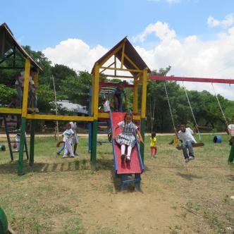 Iniciativa comunitaria beneficia a los niños de una vereda en Bolívar