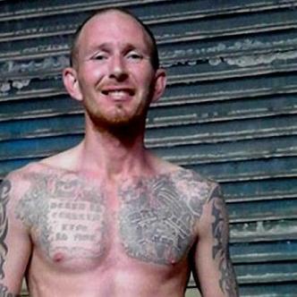 Shane Brennan es acusado de exposición obscena en un tren. | Tomada de: Daily Mail.