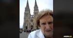 Las abuelitas deseaban tomarle una foto a la Basílica de Luján pero la tecnología les jugó una mala pasada. | Tomada de: Captura de pantalla.