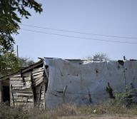 Esta sería la casa de tabla donde presuntamente fue violada la joven por sus amigos en un sector de El Golfo.