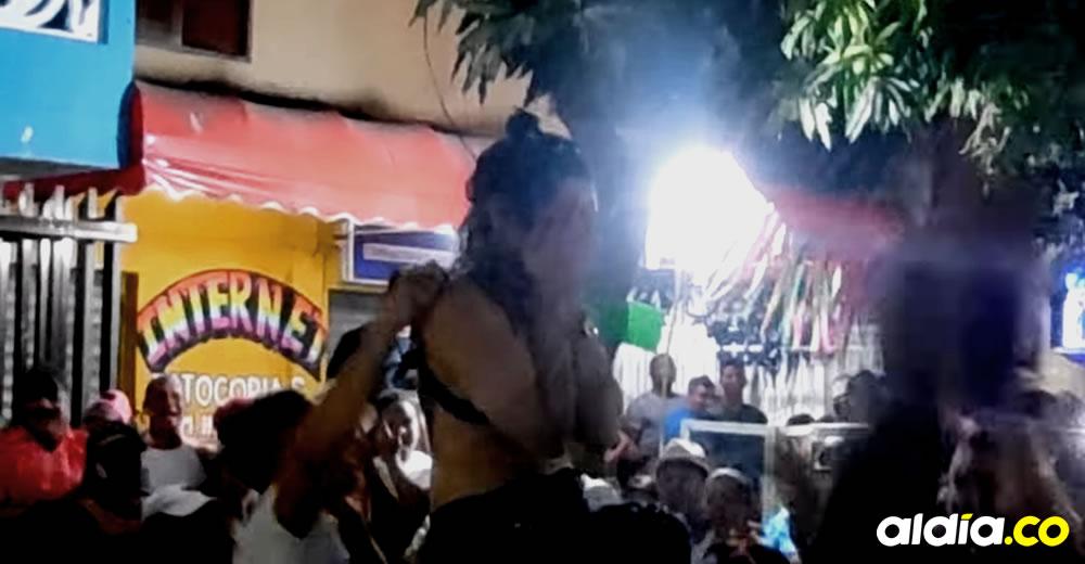 El Video De Una Mujer Que Se Desnuda En Carnavales Y Tiene Divididos